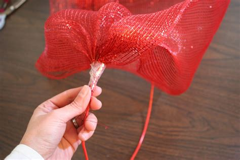 how to add wide mesh ribbon garland to a christmas tree how to make a mesh ribbon wreath chica and jo