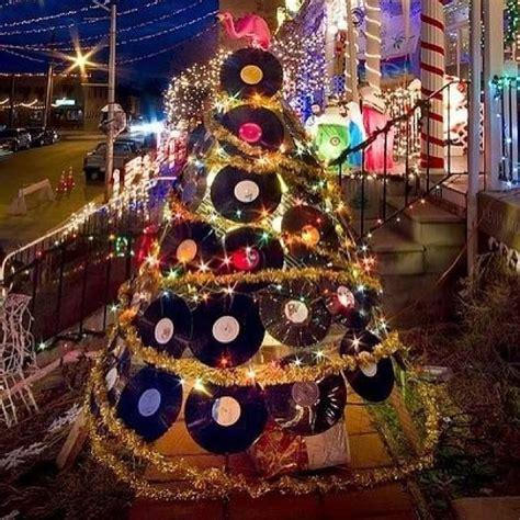 hip hop christmas tree decorating ideas vinyl record tree vintage vinyl vibes merry hip hop and