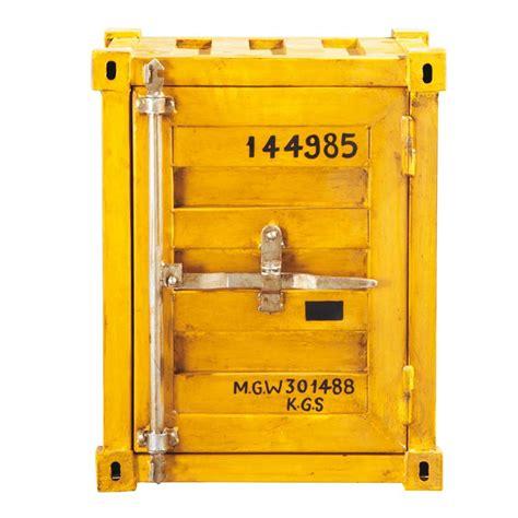 Beau Meubles Du Bout Du Monde #2: bout-de-canape-jaune-container-carlingue-1000-15-20-118182_1.jpg