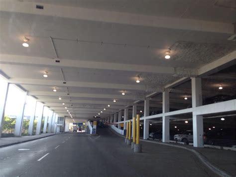 Midway Parking Garage by Mdw Garage Daily Parking Parking In Chicago