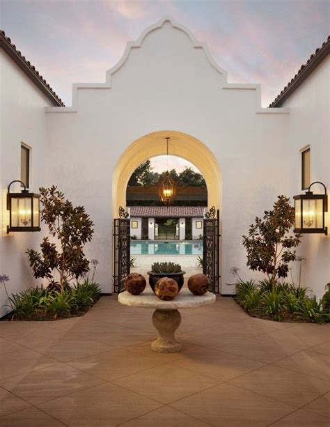 spanish style homes with interior courtyards 17 best images about spanish style hacienda feel on