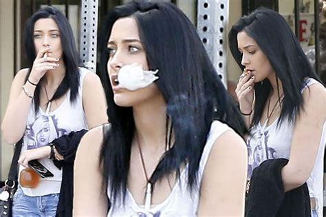 paris jackson with black hair paris jackson 17 spotted smoking while underage as she