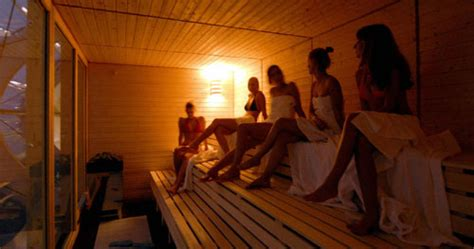 Does Sitting In A Steam Room Help You Lose Weight by Where Do You Stand Talking In The Sauna Popsugar Fitness
