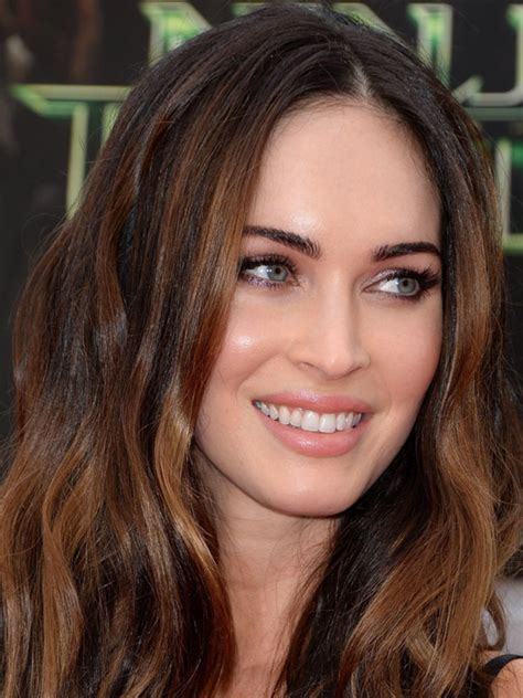 megan foxs makeup how to get her skin bold lip exact look megan fox is giving me serious skin envy here beautyeditor