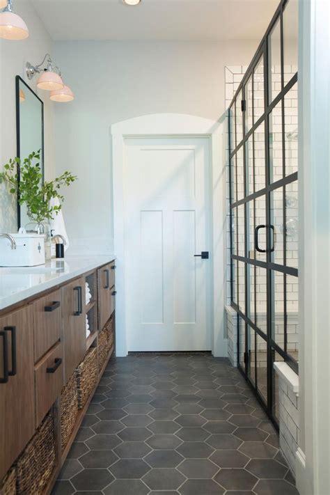 fixer upper   american farmhouse master bathroom