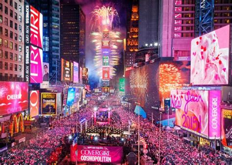 times square alliance new years eve live schedule watch live times square new year s eve to host one