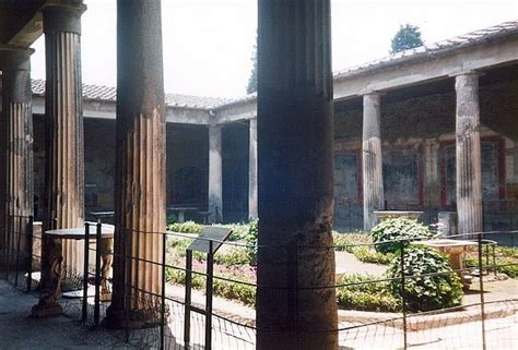 Thee House Of pompeii house of the vettii