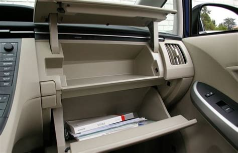 8 Things To Keep In Your Glove Box by Glove Box 20 Things Every 20 Something Should About