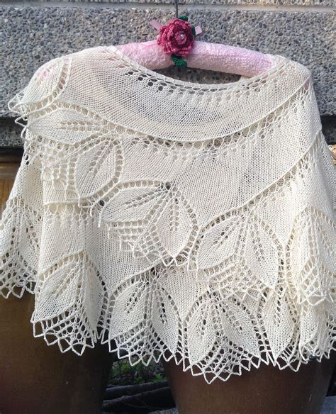 leaf pattern bolero 1000 ideas about lace knitting patterns on pinterest