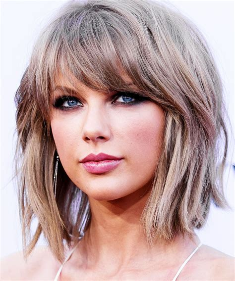 taylor swift hair taylor swift goes super short at the grammys taylor
