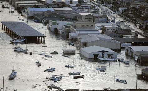 imagenes del tsunami japon 2011 el terremoto y tsunami de jap 243 n de 2011 taringa