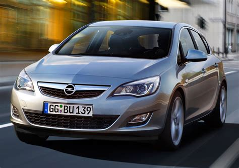 Opel Astra 2010 by 2010 Opel Astra Photo 2 5880