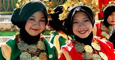 Baju Bodo Berasal Dari Daerah baju bodo tokko busana tertua di dunia bugis makassar trip