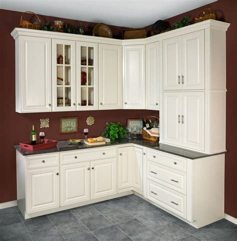 classic white kitchen cabinets wolf classic cabinets wolf