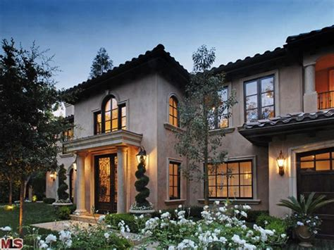 Ranch Style Mansions by Kim Kardashian Quietly Sells Her Beverly Hills Home