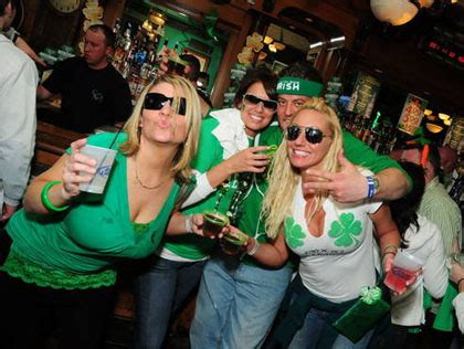 st s day chicago bars best bars to celebrate st s day 2013 in chicago