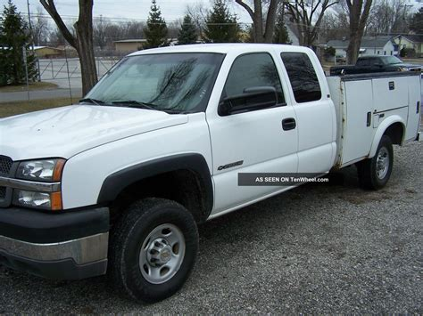 2004 chevy 2500hd service truck