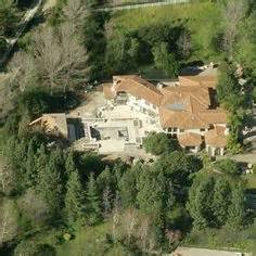kris jenners house kris jenner real house front and fake one used on kuwtk kim kardashian family
