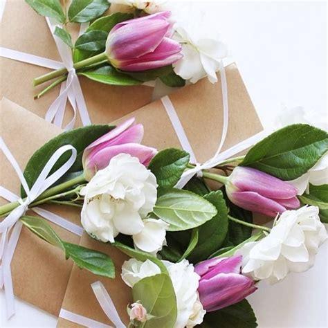 fiori regalo compleanno pacchetti regalo con fiori