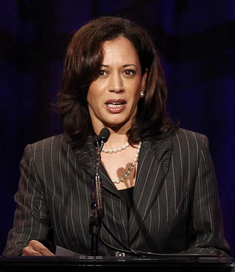 kamala harris is best looking attorney general says