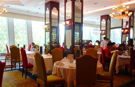 my lunch at lawry s lawry s the prime rib kid friendly restaurants orchard
