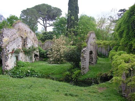 ninfa giardini giardino di ninfa luoghi italianbotanicaltrips