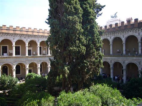 il cortile roma file palazzo venezia cortile palazzetto 1050323 jpg