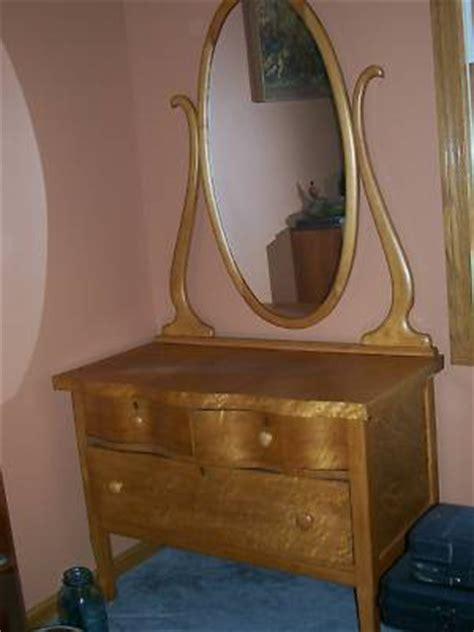 antique birdseye maple dresser value antique geyler birdseye maple vanity dresser w mirror