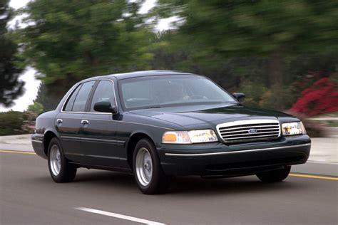 2000 ford crown victoria reviews specs and prices cars com