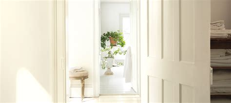 benjamin moore simply white 5 things to know simply white kolor roku 2016 benjamin moore blog o