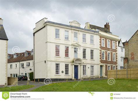 Raglan House by Raglan House