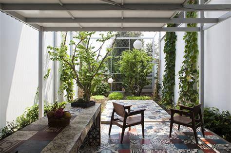 cult   courtyard  backyard ideas  small
