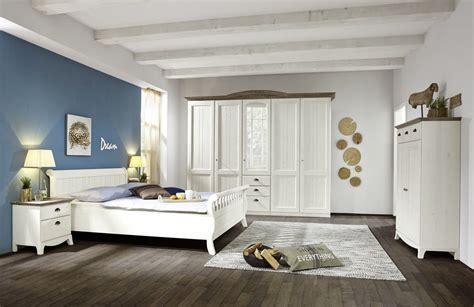 Ideen Um Ein Schlafzimmer Dekorieren by Schlafzimmer Landhaus Wei 223 Downshoredrift