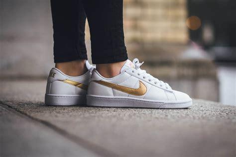 Harga Nike Tennis Classic nike cortez white gold ilpaesechenonce it