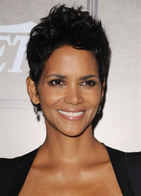 hailey berrys pixie cut how to cut halle berry layered short black pixie cut fashdea