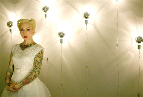 tattooed bride chi chi revolver s tattooed bridal shoot 183 rock n roll