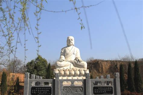 biography of xuanzang buddhist monk xuanzang s hometown