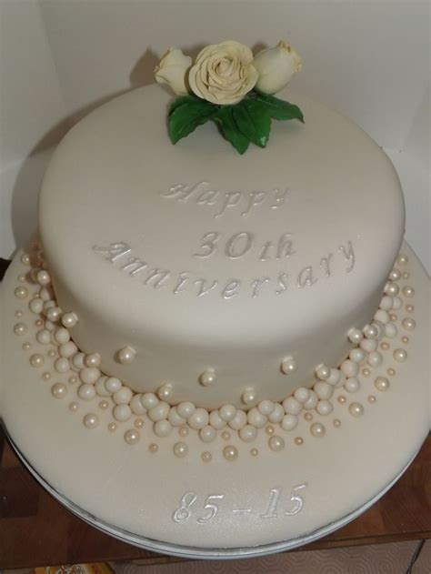 wedding anniversary cake ideas best 25 30th anniversary ideas on 30th