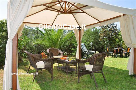 foto di piccoli giardini arredati affordable il giardino arredato ad uso comune with foto di