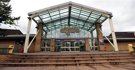 theme park jobs uk m d s theme park to hold job fayre in bid to hire 100