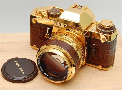 Luxury Giveaways - gold fever luxury items in gold girly design blog