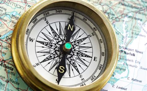 how does an earth inductor compass work how does a compass work wonderopolis