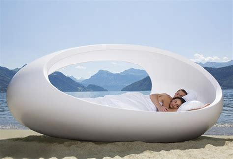 Egg Bed by Unique Egg Shaped Bed Lomme