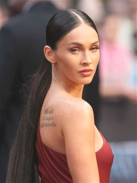 kim kardashians low sleek ponytail with center part celebrity what is your face shape and the best hairstyle for it