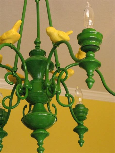I M Dying To Spray Paint Our Cheesy Old Brass Chandelier Spray Paint Chandelier