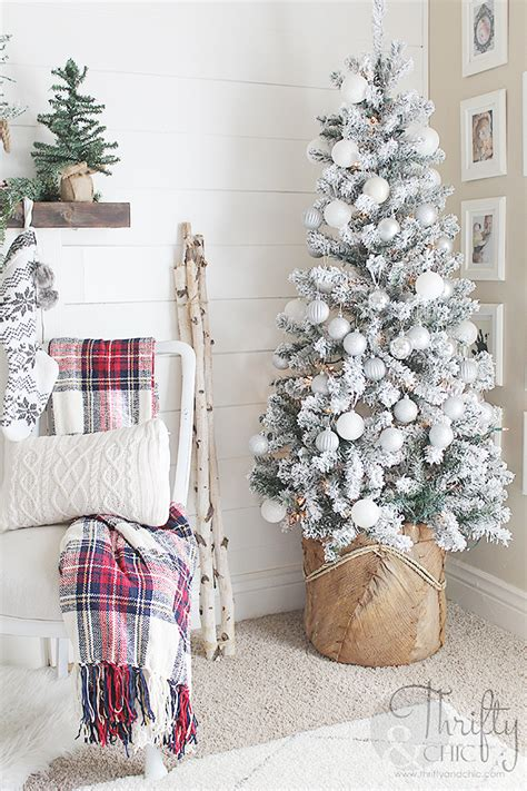 christmas tree decorating vintage style thrifty thrifty and chic diy projects and home decor