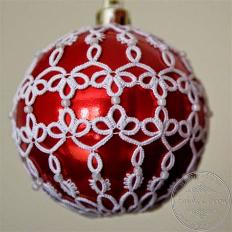bombka choinkowa w frywolitkowej koszulce christmas ball