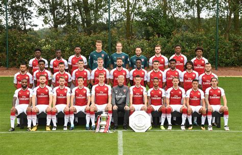 arsenal players 2017 18 pictures arsenal first team s official photoshoot for