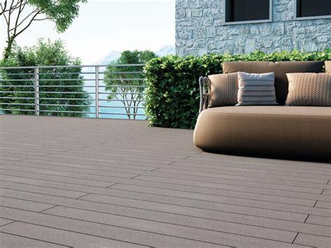 pavimenti in legno composito per esterni pavimento per esterni in materiale composito effetto legno
