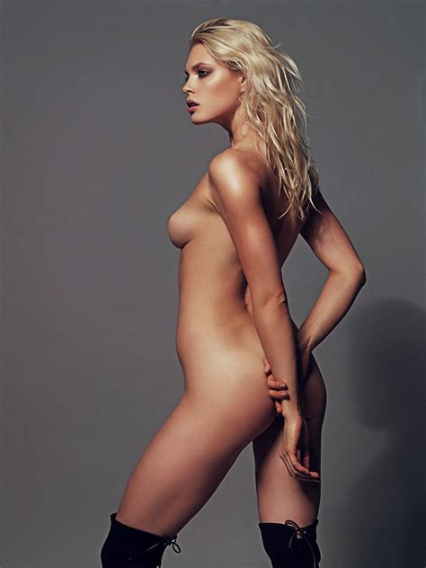 Celebrity Nudeflash   picture          original Masha